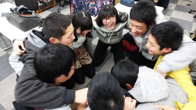 学習塾AQURASの生徒たち