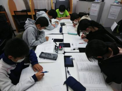 AQURASの生徒の勉強姿勢